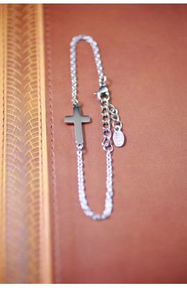 SMALL CROSS BRACELET