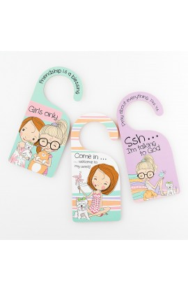 HOLLY & HOPE DOORKNOB HANGERS