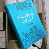 One Minute With God For Women is a collection of 365 devotions that will bring refreshment and encouragement in your daily walk with God in a format that is accessible anytime, anywhere. #dailydevotional #365devotions #mothersday
